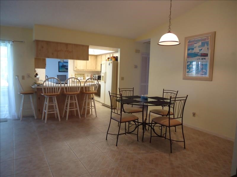 dining/kitchen