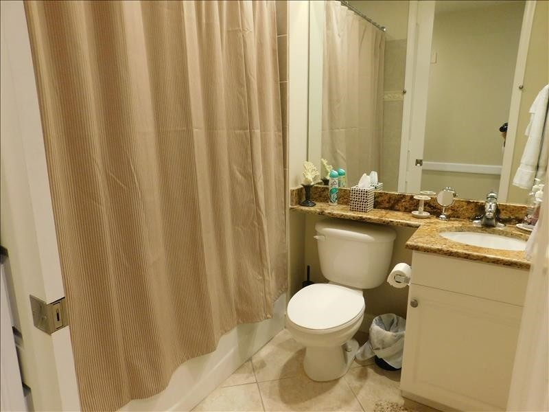 guest bath tub shower