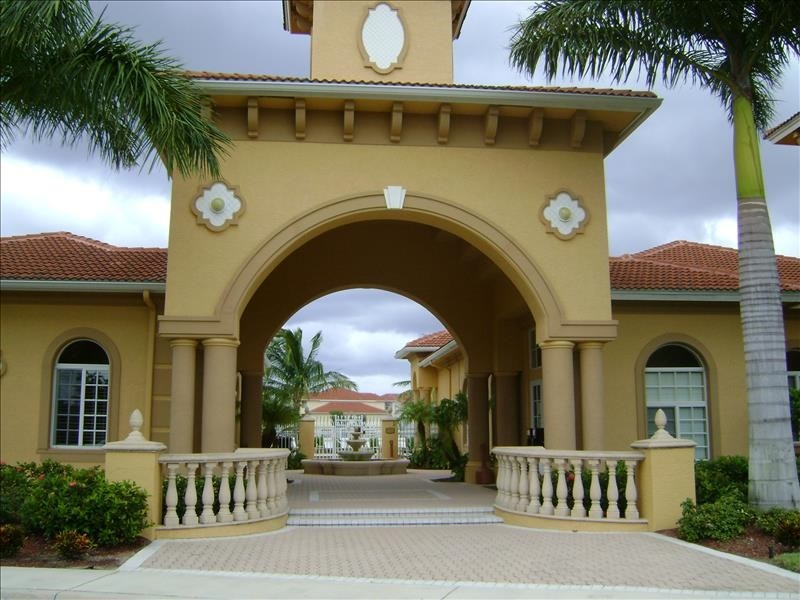 Beachwalk Entrance