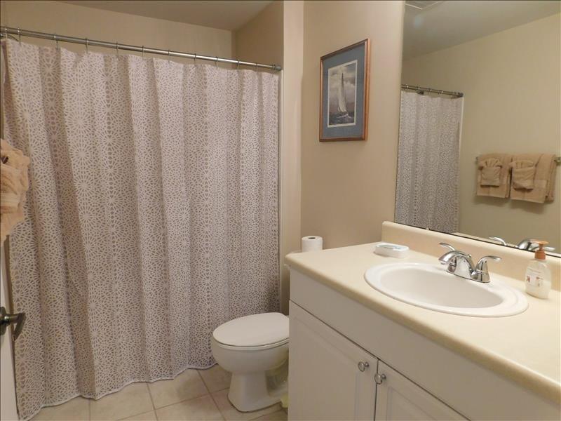 Guest bath tub shower